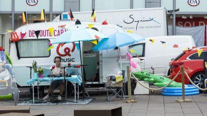 Qmusic parkeert Foute Caravan op stadsplein