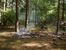 Mountainbiker ontdekt bosbrand bij Loon op Zand en voorkomt erger