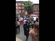 Des véhicules de police foncent sur des manifestants à Brooklyn