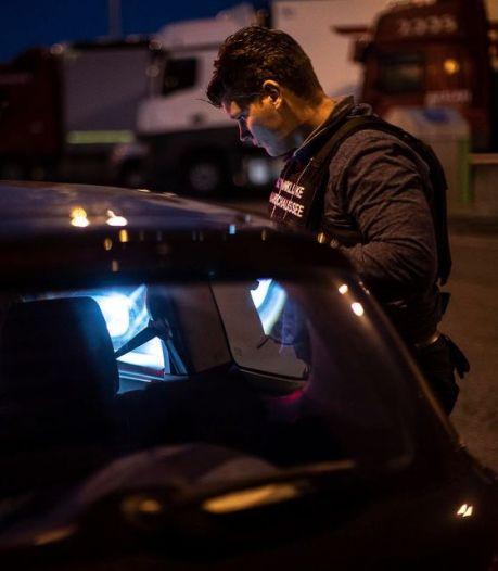 Albaniër met 110.000 euro cash in tas gearresteerd op A12