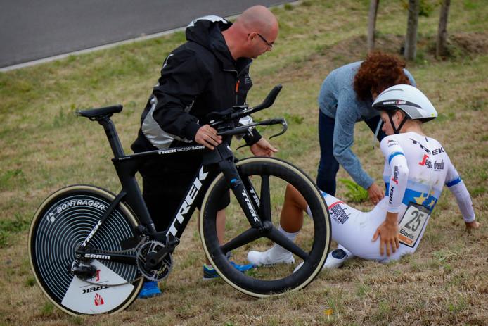 Ellen van Dijk kwam in de proloog van de Boels Ladies Tour ook al ten val. Toen viel de schade mee.