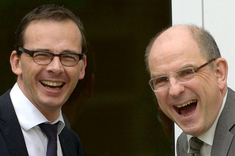Wouter Beke en Koen Geens, hier nog gebroederlijk aan het lachen, verschillen binnen hun partij van mening over het uitbreiden van euthanasie naar dementerenden met een wilsbeschikking.