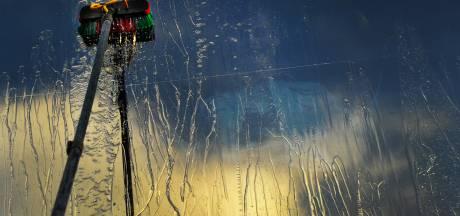 Glazenwasser Frank toegetakeld door Zaandamse concurrentie: 'Ze hebben met zijn vieren op me ingeslagen'