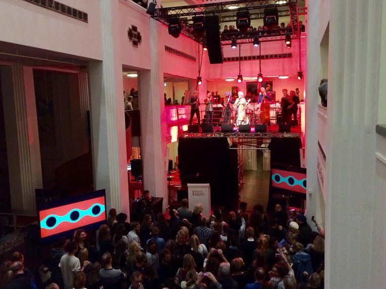 Mieke Stemerdink tijdens de opening in het Stadsarchief. Beeld Bart Nauta