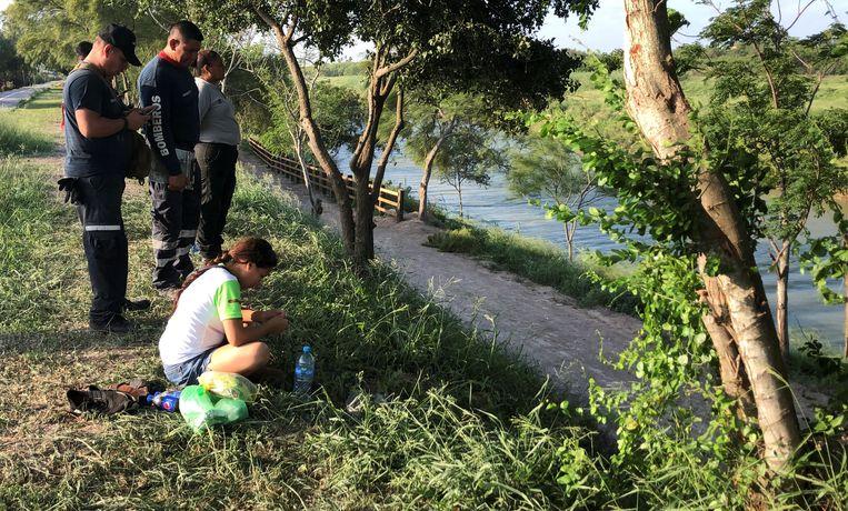 Tania tijdens de zoektocht naar haar vriend en hun dochter.