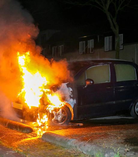 Autobrand in Oosterhout, dronken verdachte opgepakt