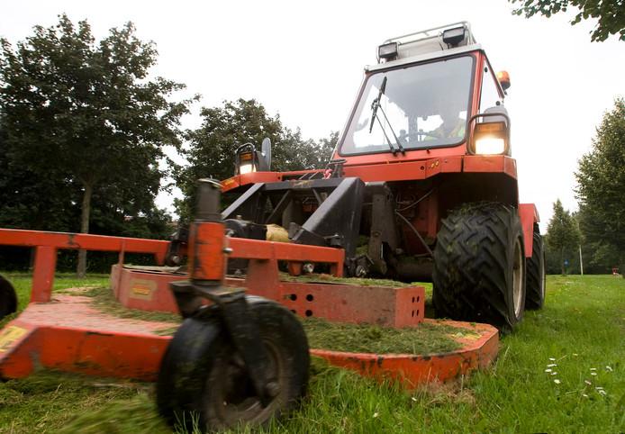 Het maaien van gras gaat de gemeente Goes veel meer geld kosten.
