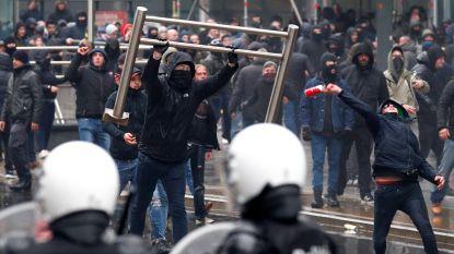 LIVE. 'Mars tegen Marrakesh' ontaardt, politie zet waterkanon en traangas in
