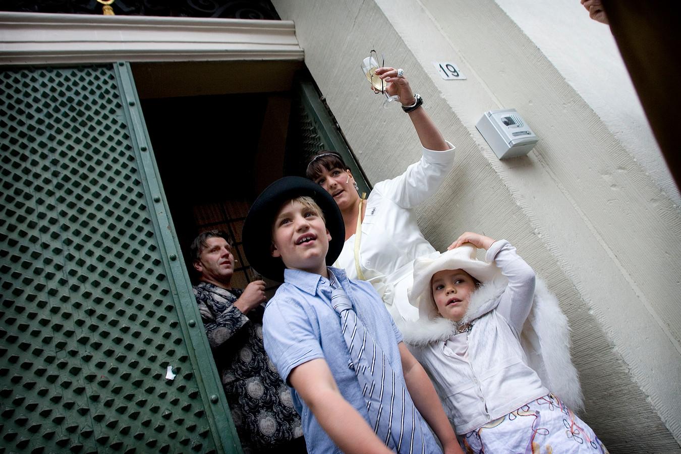 Archieffoto van Jonnie en Thérèse Boer met hun kinderen.
