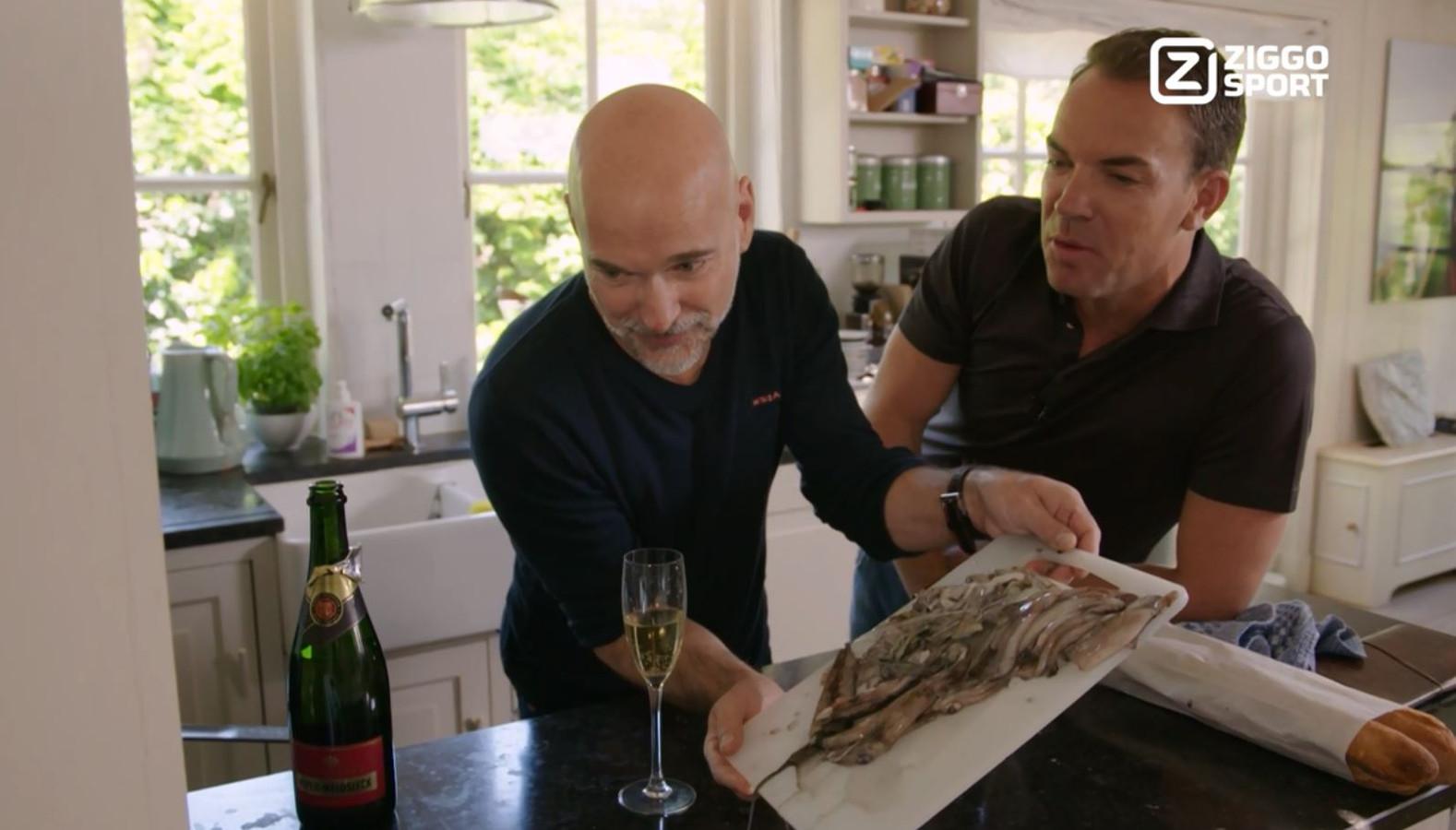 Still uit Crashen in de Keuken, terugblik op de Formule 1 met Rob Kamphues en Robert Doornbos.