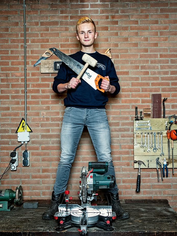 Steven Kerkhof (16) uit Hoevelaken in zijn atelier Made By Steven Kerkhof.