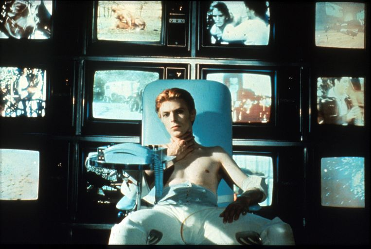 David Bowie in The Man Who Fell to Earth, 1976. Beeld Studiocanal/Shutterstock
