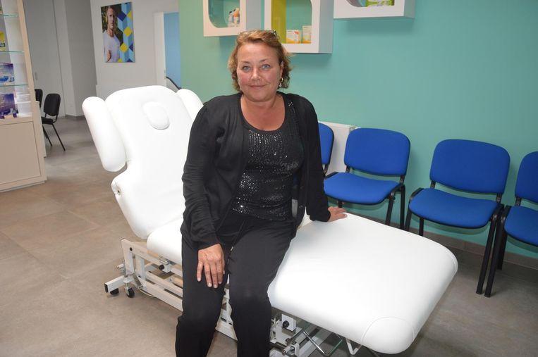 Machteld Van Lierde geeft vanaf maandag massages en schoonheidsbehandelingen aan kankerpatiënten in de LM Ninove.
