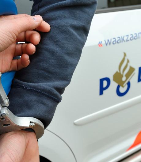Wielrenner aangereden en geslagen in Valkenswaard, bestuurder rijdt door