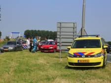 Flinke schade bij botsing met meerdere auto's in Nijkerk