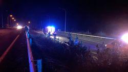 Motorrijder (51) in levensgevaar na zware crash langs Natiënlaan: slachtoffer wordt dertig meter weggeslingerd