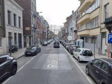 Une octogénaire dans état grave après avoir embouti deux voitures en stationnement à Ixelles