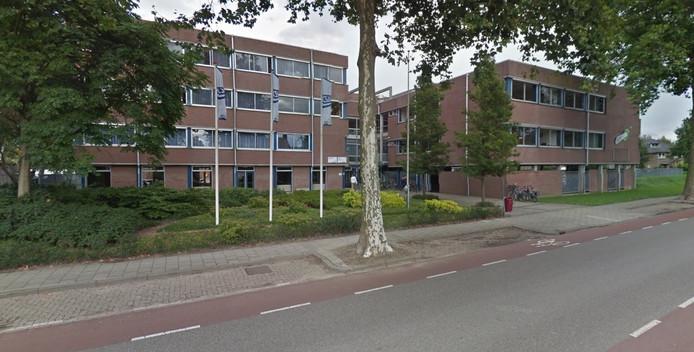 Het oude gebouw van de CSW aan de Churchilllaan in Middelburg.