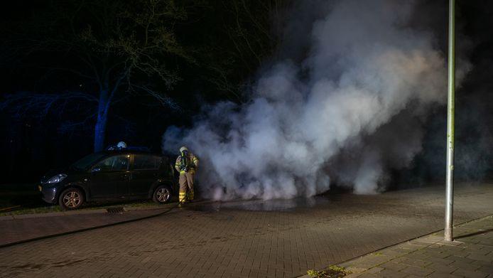 De tweede autobrand aan de Willem de Zwijgerlaan.