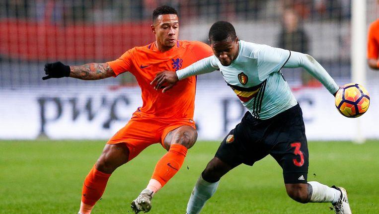 Memphis Depay van het Nederlands elftal in actie tegen Christian Kabasele van België tijdens een oefenduel ter voorbereiding op de WK-kwalificatiewedstrijd in 2016. Beeld ANP