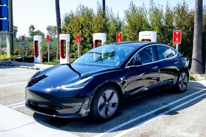 Zo ver komt de elektrische Tesla Model 3 in de praktijk
