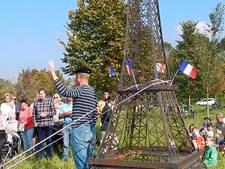 Petit Eiffeltoren in Petit Paris