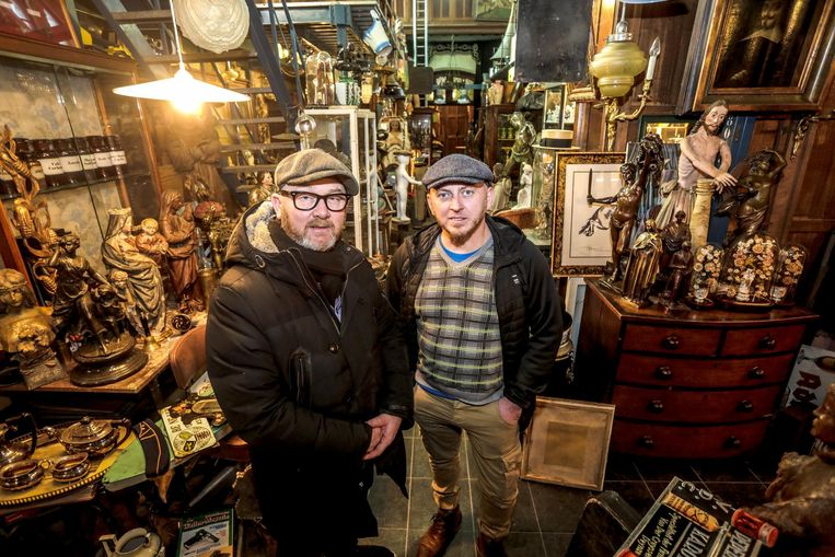 Kristof Moenaert (rechts) maakt kennis met Drew Pritchard (links) de presentator van 'Salvage Hunters' op Discovery Channel .