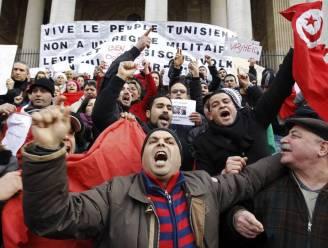Meer dan 500 manifestanten vieren vertrek Ben Ali in Brussel