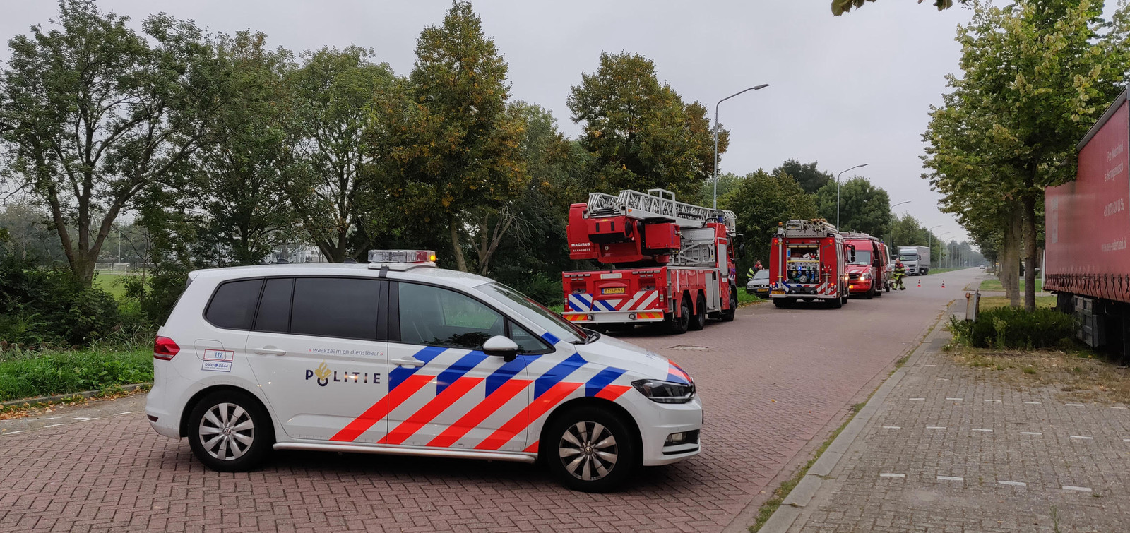 Auto te water in Den Bosch