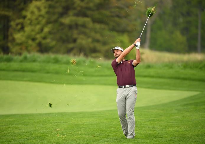 Joost Luiten op de 12de hole tijdens de tweede ronde van de US PGA in op de Bethpage Black course.
