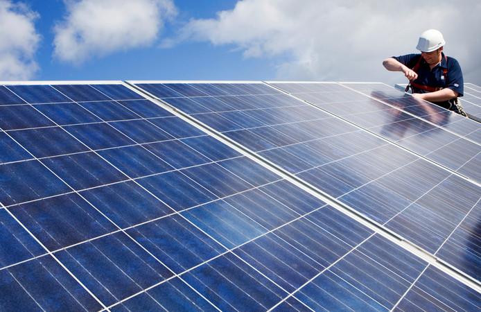 De wooncoach bespreekt onder meer de mogelijkheid van zonnepanelen.