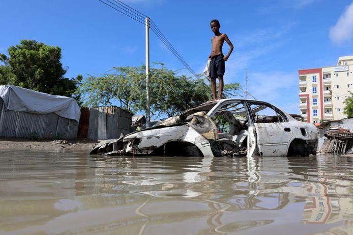 De wegen en huizen zijn ernstig beschadigd, Mogadishu.