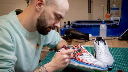 Hiphopster Kraantje Pappie laat sneakers customizen door Aalstenaar