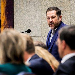 Kabinet wuift plannen Dijkhoff weg voor zwaarder straffen in probleemwijk
