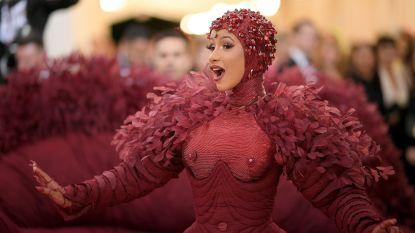 """Cardi B open over haar liposuctie: """"Het is moeilijk om te verwerken"""""""