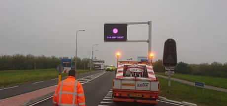 Dodelijk ongeval op Markerwaarddijk in Lelystad: weg tot 12 uur volledig dicht