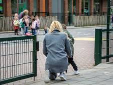 Kinderen mogen na zeven weken weer naar school: 'Hij wilde eerst lekker bij mama blijven'