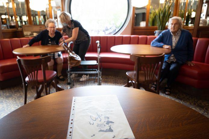 BORNEM Seniorencentrum Onze Lieve Vrouw opent 't Café, haar retro heringerichte ontmoetingsruimte