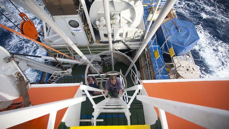 Het bovendek is alleen met een steile ladder te bereiken. Beeld Ronald Veldhuizen