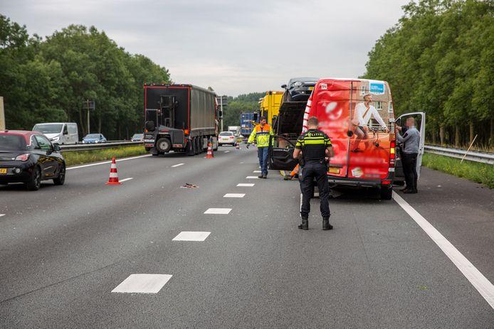 Ongeluk met meerdere voertuigen op de A17 bij Moerdijk