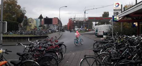 Stadse fratsen bij station Ede-Wageningen