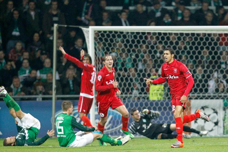 Vreugde na de 0-1 van Nacer Chadli in de wedstrijd Werder Bremen - FC Twente in 2010. Beeld null