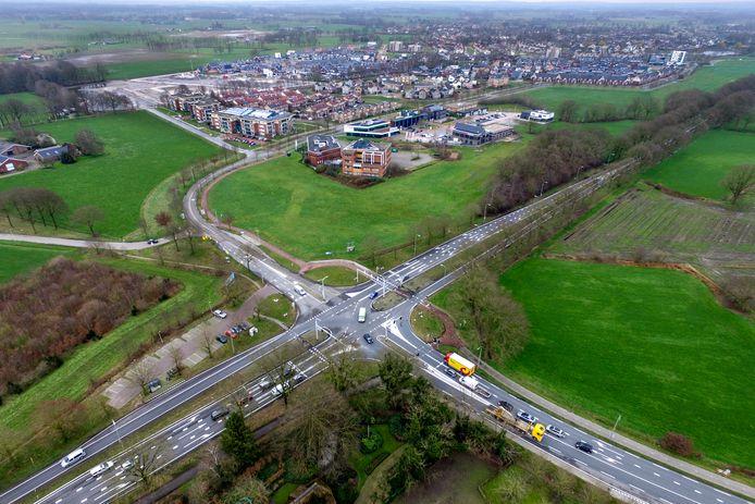 Kruispunt Bos, waar de N35 en de N348 elkaar kruisen.