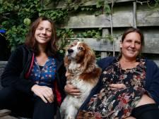 Leuke buren Pieta (48) en Rinske (48) kunnen samen lachen én huilen: 'In een roze badjas met een wijntje bij de kliko's'