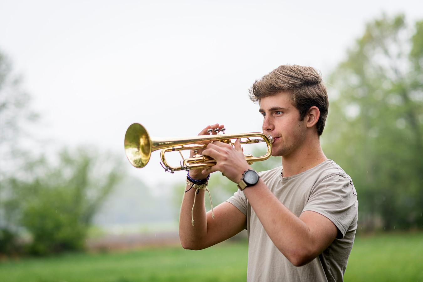 Kaz Winter speelt 10 seconden een rol in de tien minuten durenden documentaire 'Harmonie'.