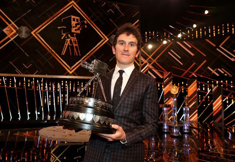 Geraint Thomas met z'n mooie trofee.