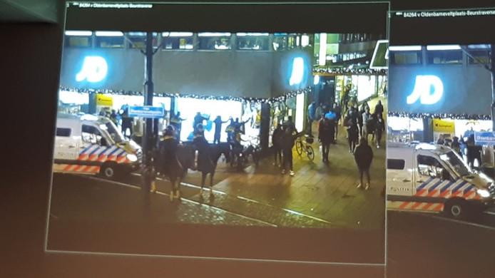 Bewakingsbeelden van de Lijnbaan in Rotterdam.