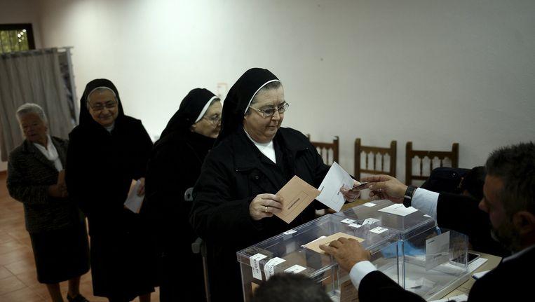 Spanjaarden gaan naar de stembus. Beeld epa