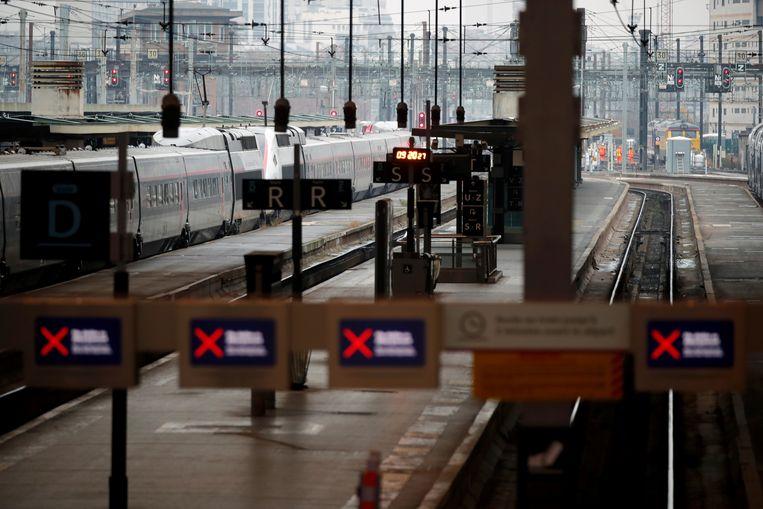 Lege perrons in het Gare de Lyon-treinstation.