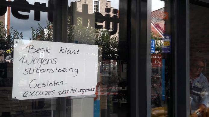 Albert Heijn is gesloten. Het filiaal verwacht rond 13.00 uur open te gaan.